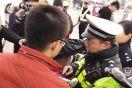 15分钟4辆非机动车违法被罚款 交警表示,交通畅通离不开每一位参与者
