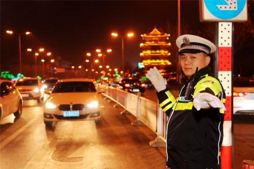 """沧州民俗""""遛百病""""交通秩序平安畅通"""