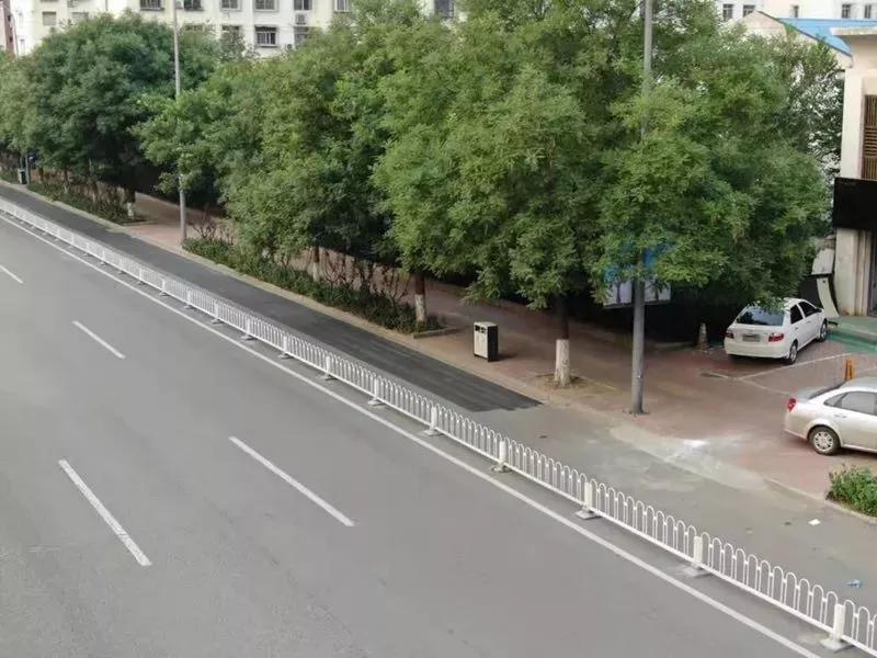 唐山:即日起取消卫国路(朝阳道至长宁道段)非机动车道内停车位!