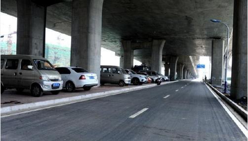 邢台:莲池大街立交桥桥下机动车道(新华路--北关街)实现通车
