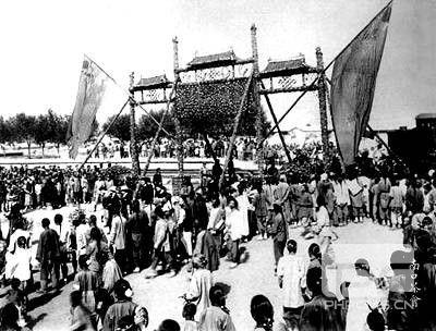 1909年9月24日中国设计的第一条铁路通车