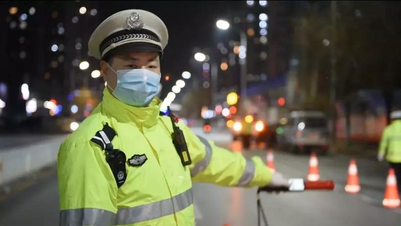 河北交警加强道路交通事故预防助力疫情防控