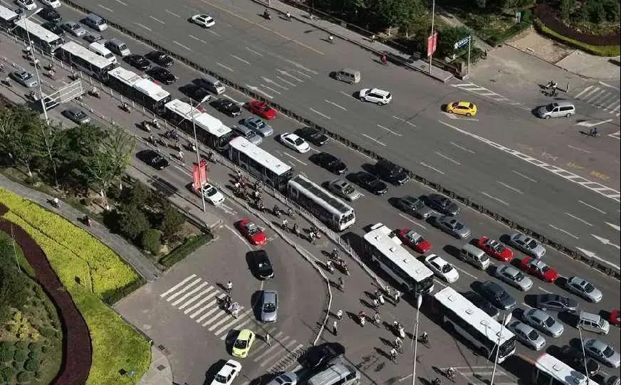 提醒!邢台新增设一条复合车道!