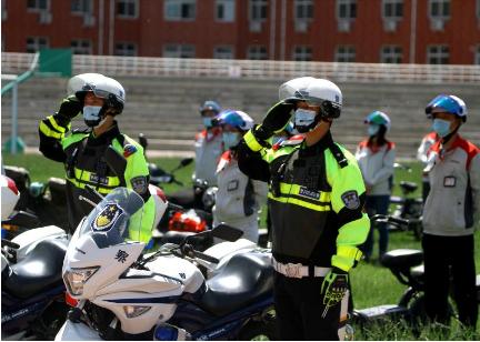 """""""警企合作共建文明交通,一盔一带守护安全出行!""""已启动!"""