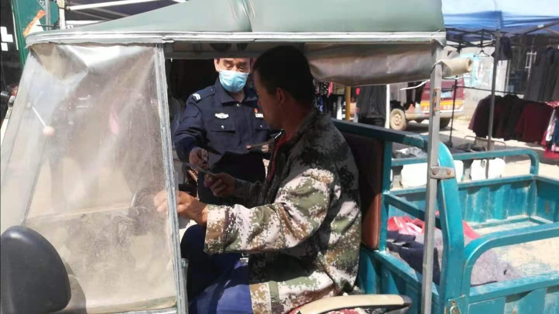 """""""一盔一带""""主题宣传  邯郸交巡警馆陶大队在行动"""